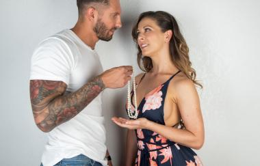 Cherie Deville, Quinton James – Die Sache (BellesaFilms)