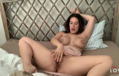 Eva Lovia – Benutzerdefiniertes Video 4 (FallInLovia)